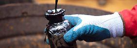 Im neuen Jahr wird alles besser: Experten sehen Ölpreis wieder bei 80 Dollar