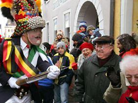 Im Januar 2007 nahm ein Jokili aus Tovar an einem internationalen Narrentreffen in Ending teil.