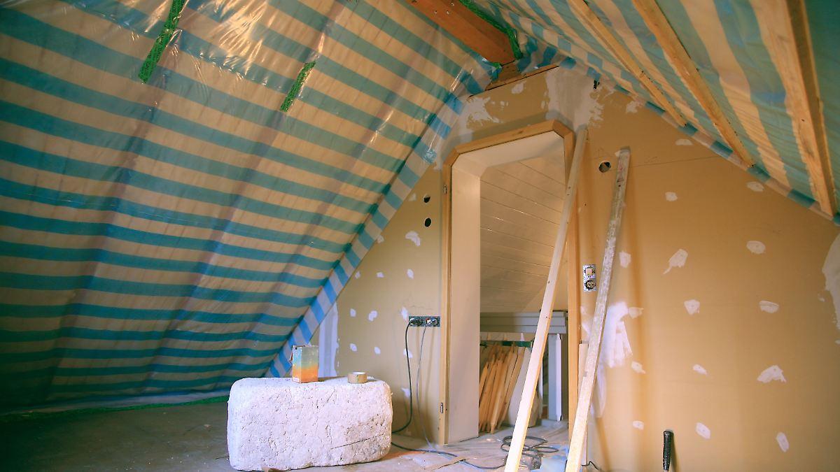 flachs oder glaswolle das dach richtig d mmen n. Black Bedroom Furniture Sets. Home Design Ideas