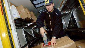 DHL, die Post-Logistiktochter, liegt preismäßig im unteren Mittelfeld.