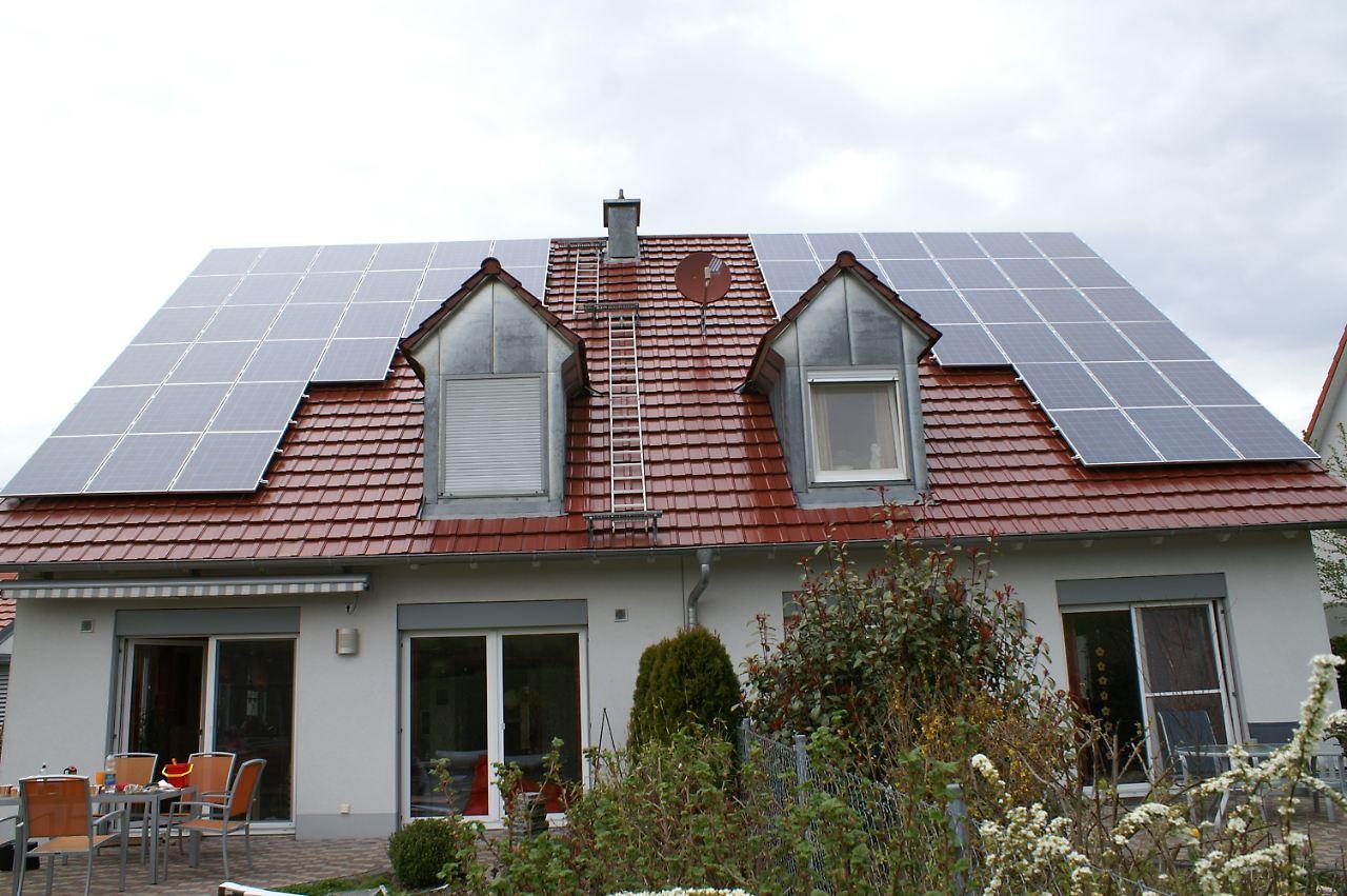solaranlage auf dem dach unbedingt meldung machen n. Black Bedroom Furniture Sets. Home Design Ideas