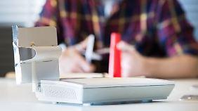Mit einem selbstgebauten Verstärker kann man prüfen, ob der Antennentausch etwas bringen würde.