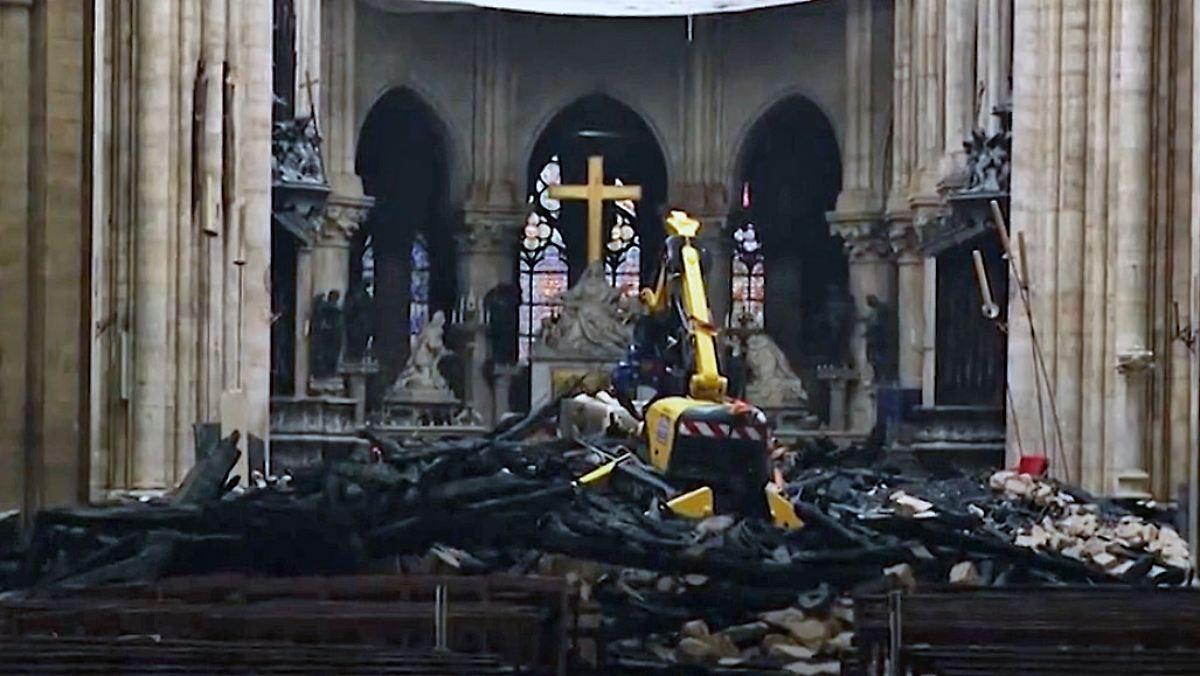 Neue Bilder zeigen Zerstörung im Inneren von Notre-Dame