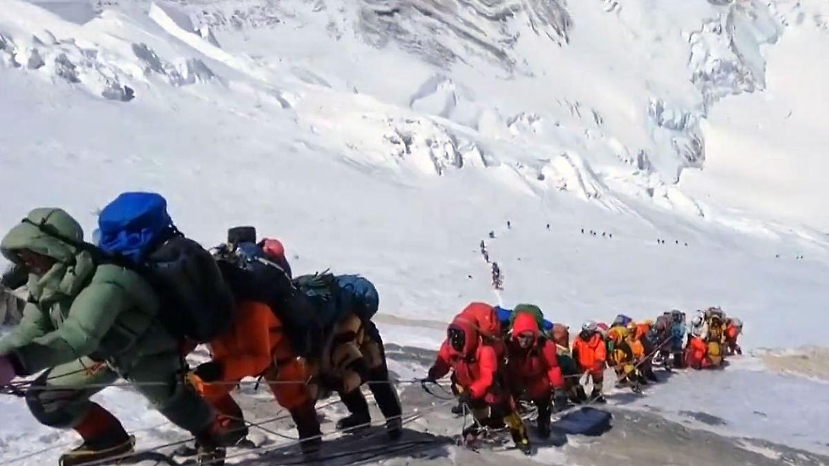 Mount Everest Stau