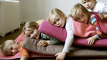 Yoga ist keine Religion: Kinder in Balance halten